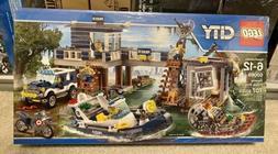 LEGO City SWAMP POLICE STATION Building Set #60069 Retired